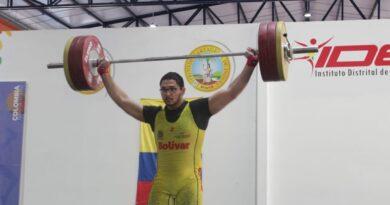 Equipo de pesas masculino de Bolívar, primer lugar en el Campeonato Nacional Virtual de Mayores.