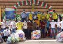Trabajadores de las minas de Bolívar recibieron dotación para jugar futbol.